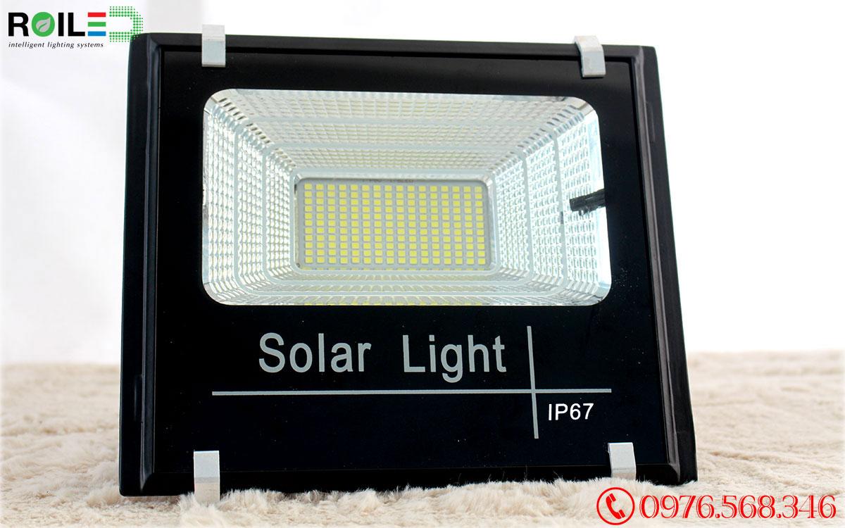 Đèn pha năng lượng mặt trời 60W giá rẻ Roiled - RP1-60W