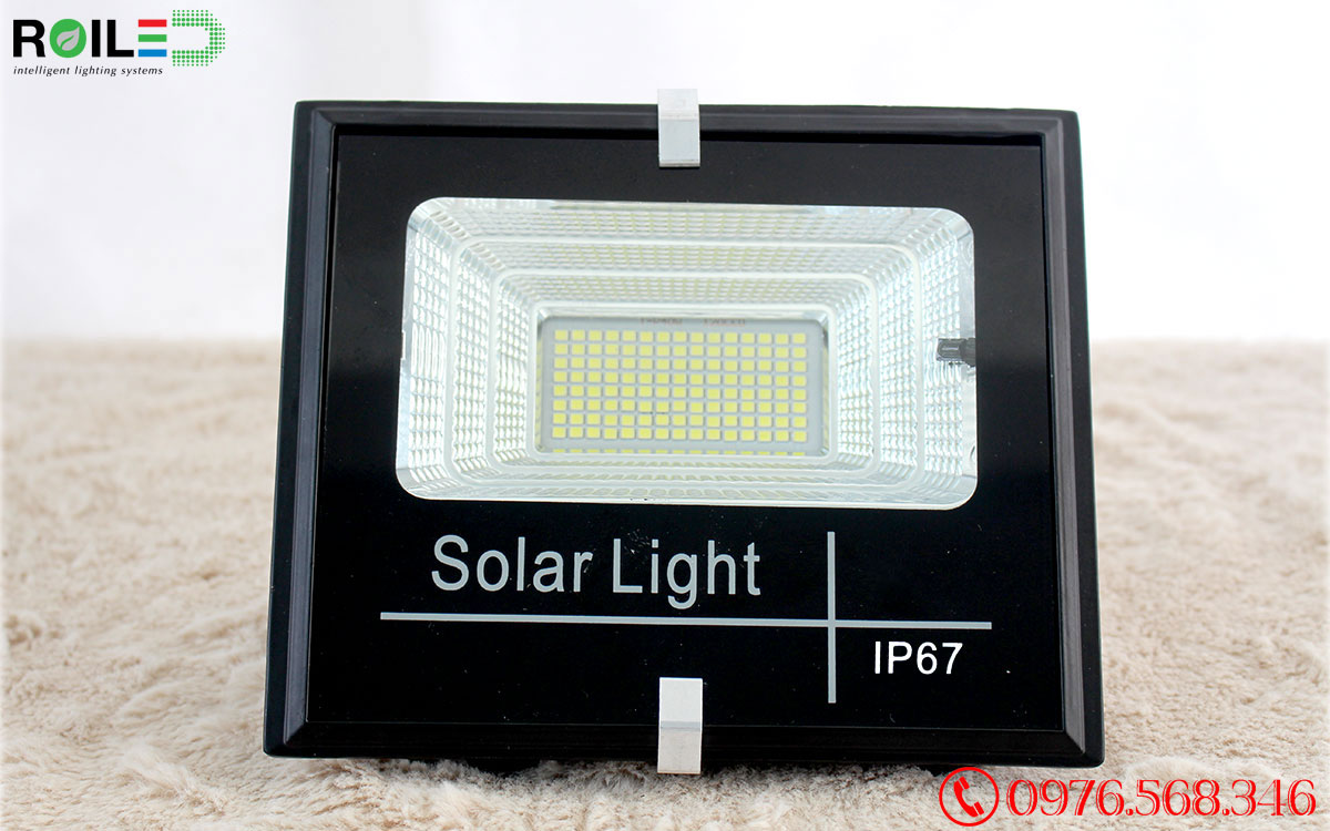Đèn pha năng lượng mặt trời 30W giá rẻ Roiled - RP1-30W