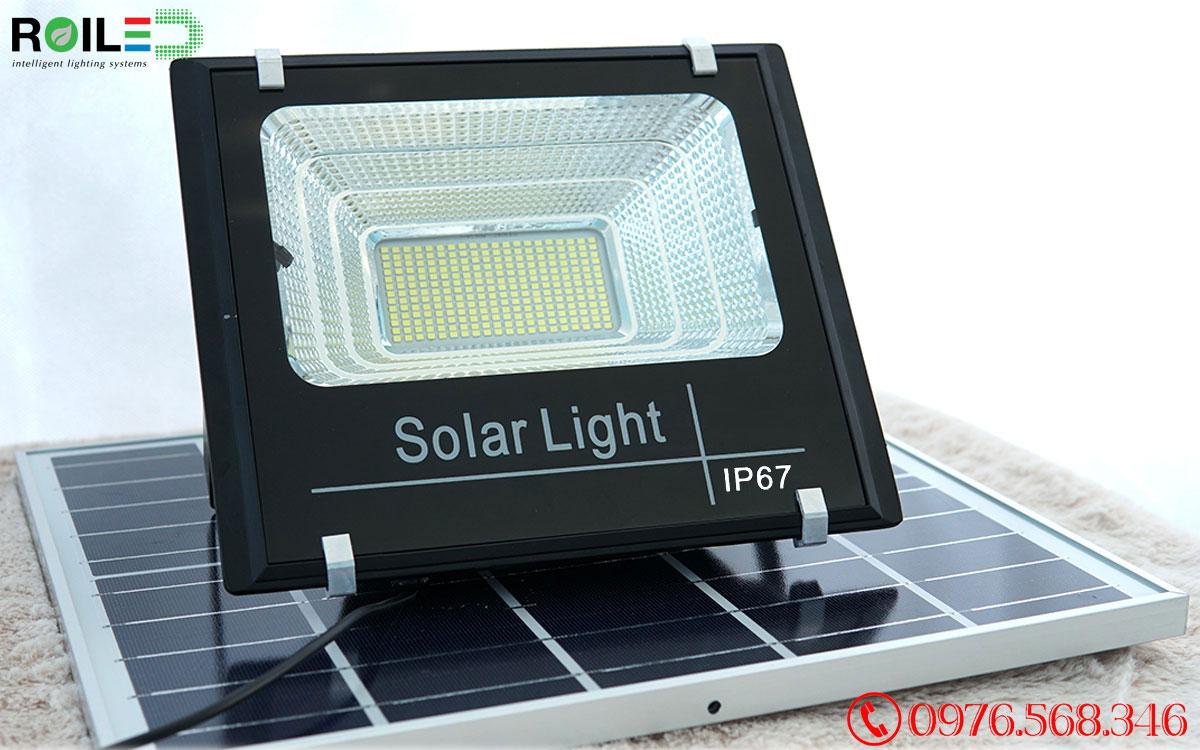 Đèn pha năng lượng mặt trời 100W giá rẻ Roiled - RP1-100W