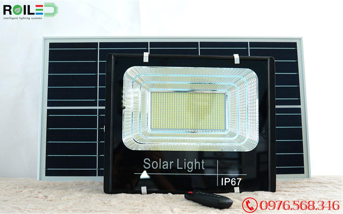 Đèn pha năng lượng mặt trời giá rẻ 300W Roiled - RP1-300W