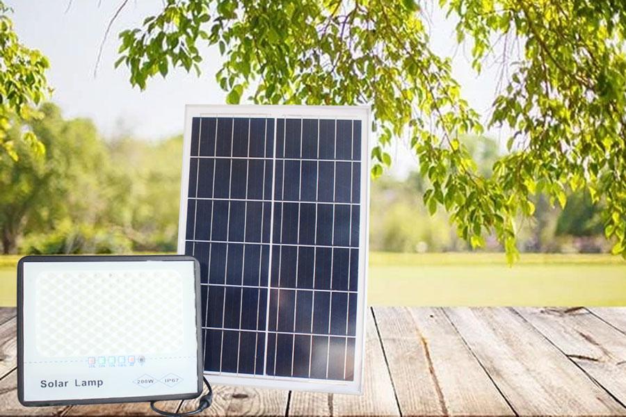 Đèn pha năng lượng mặt trời LM 200w