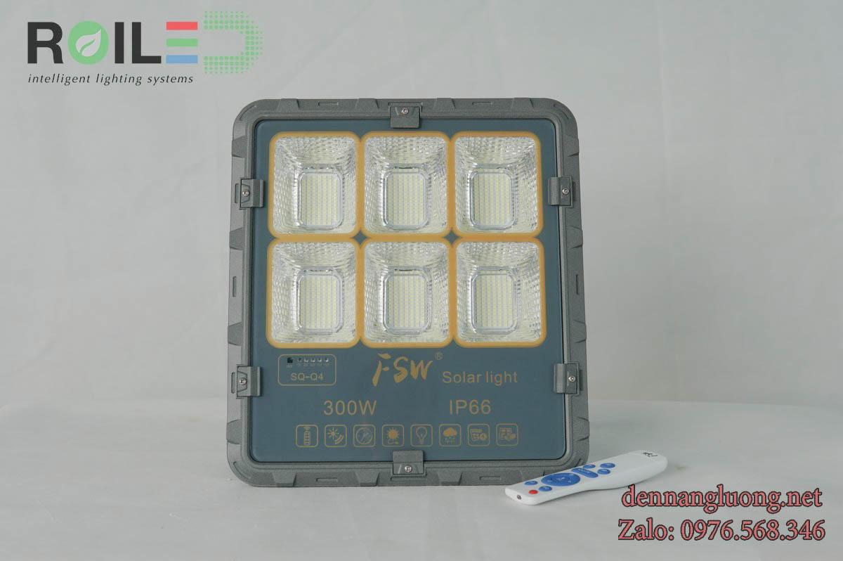 Đèn pha năng lượng mặt trời  FSW 300W giá tốt