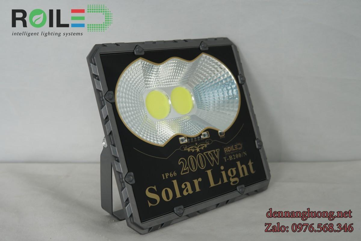 Đèn pha năng lượng Roiled PC200W siêu rẻ